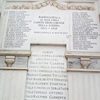 -Mariglianella: Corona di Alloro e manifesto dell'Amministrazione Comunale per la Giornata del 4 Novembre 1918-2019.