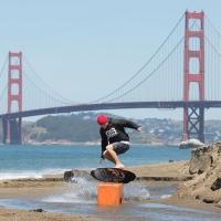 Grazie a Skimcorner.it arriva anche in Italia una novità per gli sport acquatici… lo Skimboard!