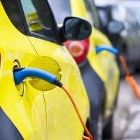 Nel Lazio solo lo 0,90% delle auto è elettrico