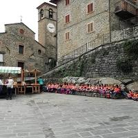 Raggiolo a misura di bambino: 300 studenti nel mondo della castagna