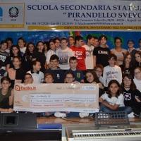 """Il progetto """"Liberi dalla plastica"""" dell'Istituito Pirandello-Svevo di Napoli vince il premio """"Facile.it per la scuola"""""""