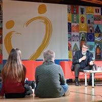 Romano Prodi a colloquio con gli studenti della Toscana alla Pieve di Romena