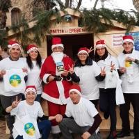 """Anche quest'anno arriva il Natale… presenti anche i volontari a donare """"La via della felicità"""""""