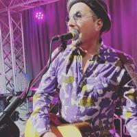 """Il Migno in radio e nei digital store con il nuovo singolo """"Sono Fred Bongusto"""", un omaggio allo storico cantante italiano."""