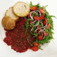 Pesto di cavallo: eccellenza della tradizione parmigiana