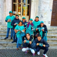 """I volontari """"Mondo Libero dalla Droga"""" ieri in una scuola di Ravenna"""