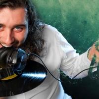 "Alex Casini in radio con ""Meant to be"" (feat. Joey Busse). Già disponibile nei digital store"