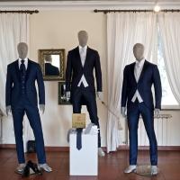 Lo stile sartoriale di Carosi Moda rappresenta l'eleganza maschile nell'evento Wonderful Wedding a Villa Dino.