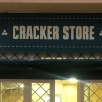 Cracker Store: il primo take away al mondo che serve crackers farciti apre a Napoli