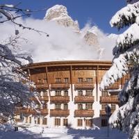 Dolomiti Super Sun al Posta Zirm Hotel di Corvara in Val Badia. In marzo le (ultime) sciate sono ancora più convenienti