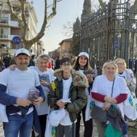 """Copie dell'opuscolo """"La Via della Felicità"""" distribuite al Carnevale di Ravenna"""