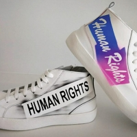 """L'Associazione per i Diritti Umani e la Tolleranza Onlus presenta il progetto """"I diritti umani camminano"""" dello stilista Marco Massetti."""