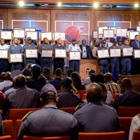 La polizia del Sud Africa combatte il crimine dalle sue radici