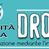 """I Volontari diffondono """"La Verità sulla Droga"""" a  Firenze distribuendo opuscoli informativi sulle droghe come VELENI"""