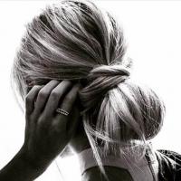 L'importanza dei capelli folti per uomini e donne