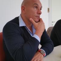 Beni invenduti e resi danneggiati? Marco Melega con barterforgood.com li fa diventare donazioni a supporto dell'emergenza sanitaria.
