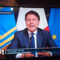 - Italia Unita contro il Covid 19. Governo e Popolo, cuore oltre l'ostacolo. (Scritto da Antonio Castaldo).