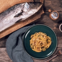 "Pancetta o guanciale? Per il Carbonara Day arriva l'alternativa – a base di pesce – ""targata"" Fish from Greece, che #restaacasa con noi,  continuando a offrirci tutto il gusto e la qualità dei suoi prodotti"