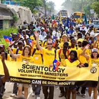 Scientology aiuta patrocinando il programma di aiuto dei MINISTRI VOLONTARI