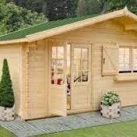 Casette in legno da giardino: belle e funzionali, ma occorre una giusta manutenzione