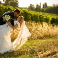 Perché dovresti assumere un fotografo di matrimoni professionista?