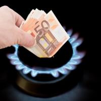 Bollette: da marzo a maggio calo del 7,2% per la luce e del 10% per il gas