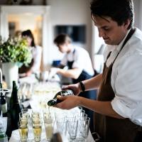 Annunci di lavoro - Ristorante cerca cameriere, ecco come candidarsi:La voce della Ristorazione