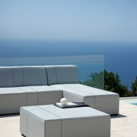 Corner Set Cleveland di Moia – Your Home Outdoor. Sobria eleganza per il giardino contemporaneo.