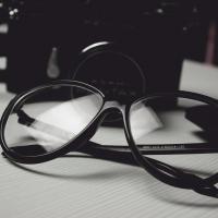 Gli occhiali su misura sono dispositivi medici