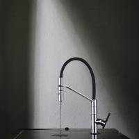 Unleaded e Linea 34. Soluzioni funzionali e accattivanti per la cucina by Gattoni Rubinetteria.