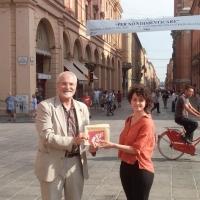 -Bologna 2 Agosto 1980-2020. Francobollo P. T.  emesso dal MISE su bozzetto di Lucia Baldrati.  (Scritto da Antonio Castaldo)