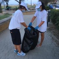 Senigallia: I volontari rimuovono 4 sacchi di spazzatura dalla spiaggia libera di ponente.