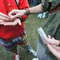 Ex educatore di casa famiglia fornisce droga a un minorenne
