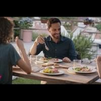 Prosegue l'on air della nuova campagna pubblicitaria di Mareblu dedicata  al Tonno all'Olio d'Oliva Non si sgocciola