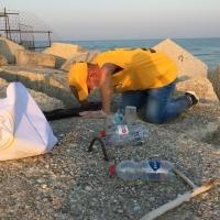 No-Plastic bag Day-Volontari di Scientology all'attacco per raccogliere la plastica abbandonata.