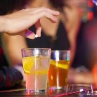 Tracce di droga nei bicchieri delle due 15enni stuprate a Matera