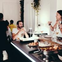 Loftnovantadue: un laboratorio di fotografia, una casa, un luogo di cene d'autore e degustazioni