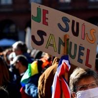 Samuel Piazza piena  La manifestazione di Parigi ha avuto inizio da Place