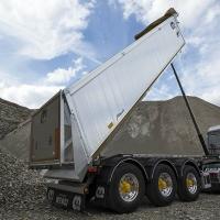 La Menci rinnova il settore dei trasporti industriali con due nuovi mezzi