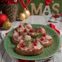 """A Natale, HAPO porta in tavola l'idea giusta con il pesce fresco di acquacoltura greca """"targato"""" Fish from Greece e l'elegante ricetta di Sonia Peronaci"""