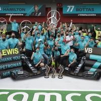 Wolff, Hamilton e Bottas all'unisono: grazie PETRONAS! Per la settima storica doppia vittoria consecutiva nel campionato mondiale di Formula 1®