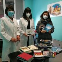 L'Associazione Valentia dona 70 libri al reparto Covid di Villa Scassi
