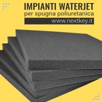 Impianti taglio a getto d'acqua per poliuretano ed altri materiali espansi