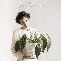 L'eclettico cantante e polistrumentista LUCA FOL pubblica il suo nuovo singolo synth-pop