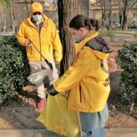 Ripulite le siepi del Parco Falcone Borsellino