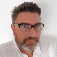 Maurizio Bini: debutta il brand di foulard Luxury Made in Italy