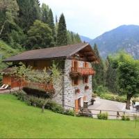 Lo Chalet nelle Dolomiti: una fiaba nel bosco che merita di essere ascoltata