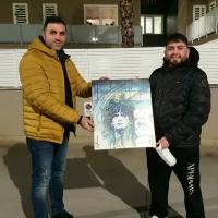 """-Brusciano, Pasquale Terracciano dona l'opera """"D10S"""" a Diego Armando Maradona Junior. (Scritto da Antonio Castaldo)"""