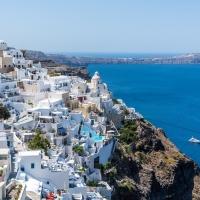 Noleggio auto a Santorini, romantica isola tutta da scoprire