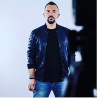 Lo speaker radiofonico Marco Rossi e i doppi sensi durante l'intervista al cantautore Simone Barotti sul nuovo singolo